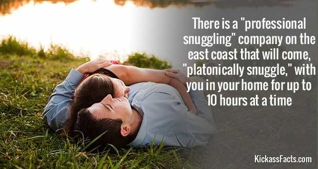 750CoupleSnuggling
