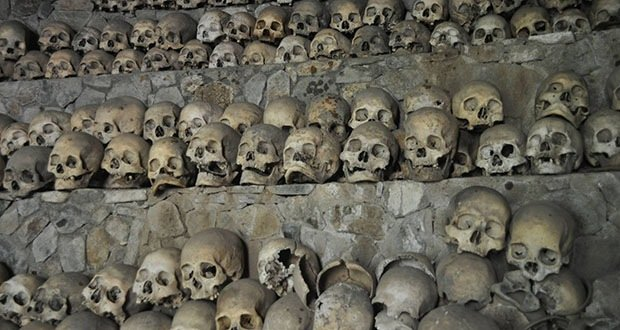 008_The Kabayan Burial Caves-Creepiest Places on Earth