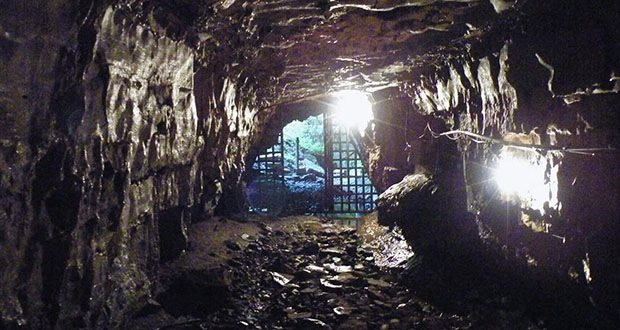 022_Bell Witch Cave-Creepiest Places on Earth