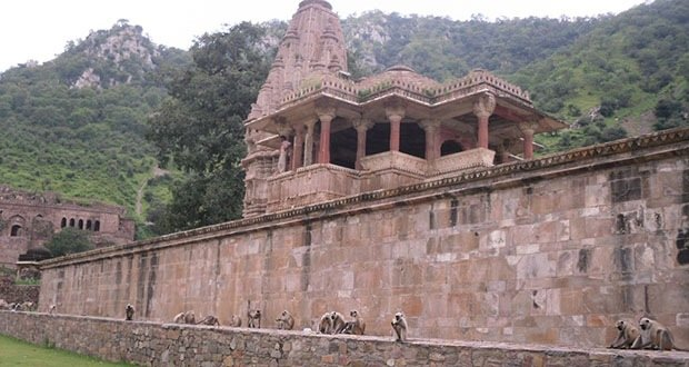 023_Bhangarh, India-Creepiest Places on Earth