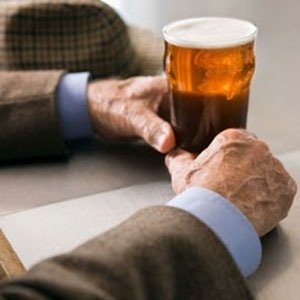 Lefties drink-Awesome Facts About Left Handedness