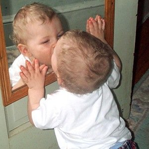 Mirror_baby-Interesting Facts About Babies