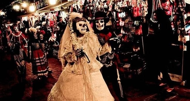 14. Dia De Los Muertos — Celebrated by Mexican – Nov. 1-Festivals You Should Attend Before You Die