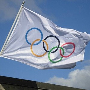 first Olympic flag