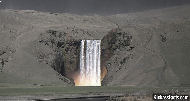 16 Skogafoss Falls -2