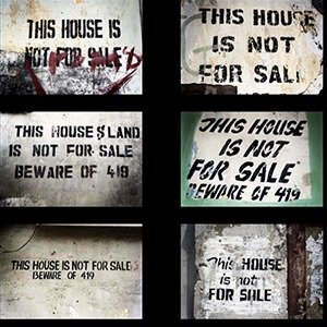 Nigeria, Lagos, 2009 This house is not for sale. Nigeria, Lagos, 2009 This house is not for sale. Michael Zumstein / Agence VU